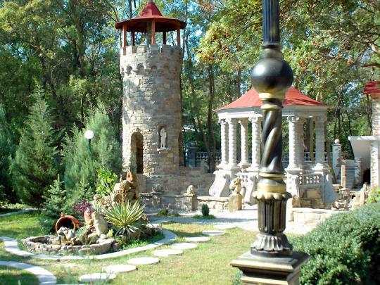 Кабардинка - солнечный курорт Краснодарского края, расположенный между городами Геленджик и Новороссийск